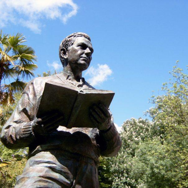 Tour literario grupos Vitoria ciudad de novela