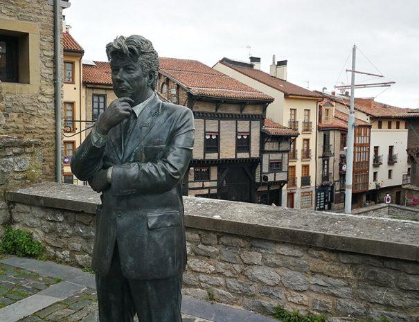 Tour literario por Vitoria-Gasteiz con Guías Artea