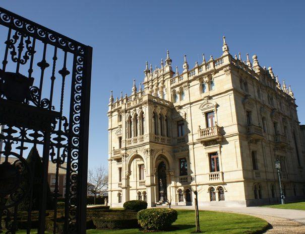que ver en Vitoria de País Vasco en visita guiada de Guías Artea